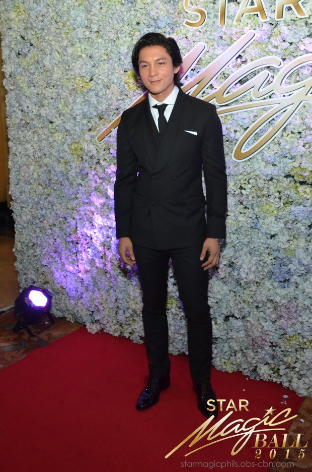 LOOK: Pasion de Amor's sexiest pairs heat up the 9th Star Magic Ball red carpet